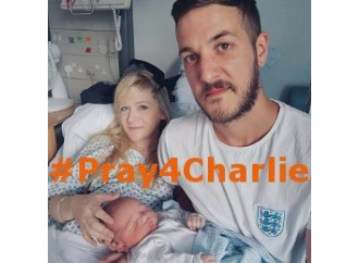 Pray4charlie, il mondo che prega per Charlie