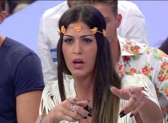Assolta Adriana del GF per aver dato del gay ad un altro concorrente