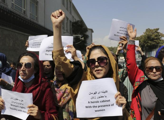 Kabul, protesta delle donne