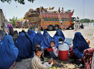 Gli afghani tornano a casa e trovano la guerra