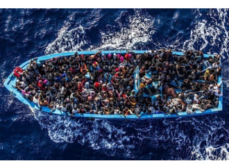 L'Europa si divide di fronte all'onda umana dall'Africa