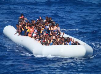 """Gli africani emigrano. Non diamo colpe a """"grandi vecchi"""""""