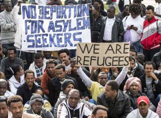 Israele sospende l'accordo per il trasferimento di migliaia di emigranti africani in paesi occidentali