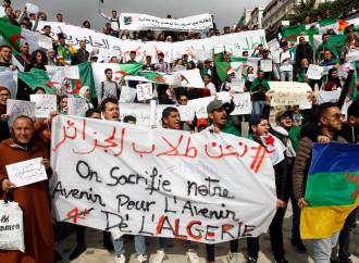 Algeria, il golpe (legale) dei militari detronizza Bouteflika