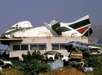Alitalia, un pozzo senza fondo per i contribuenti