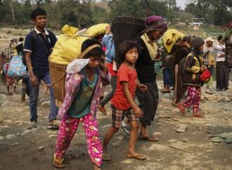 Migliaia di persone in fuga dai combattimenti nel nord del Myanmar