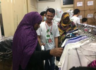 L'arrivo di migliaia di emigranti pone problemi di accoglienza in Indonesia