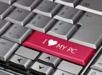 """Se """"love is love"""" io voglio sposarmi il mio pc"""