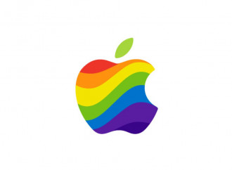 Diventa gay con un'app e fa causa ad Apple