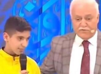 Turchia: 13enne armeno convertito all'islam in diretta Tv
