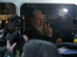 L'arresto di Assange, il divulgatore dei segreti
