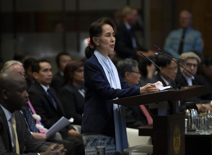 Aung San Suu Kyi all'Aia, testimonia sui Rohingya