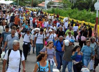 Continua l'esodo dei venezuelani, ormai gli emigranti sono 2,5 milioni