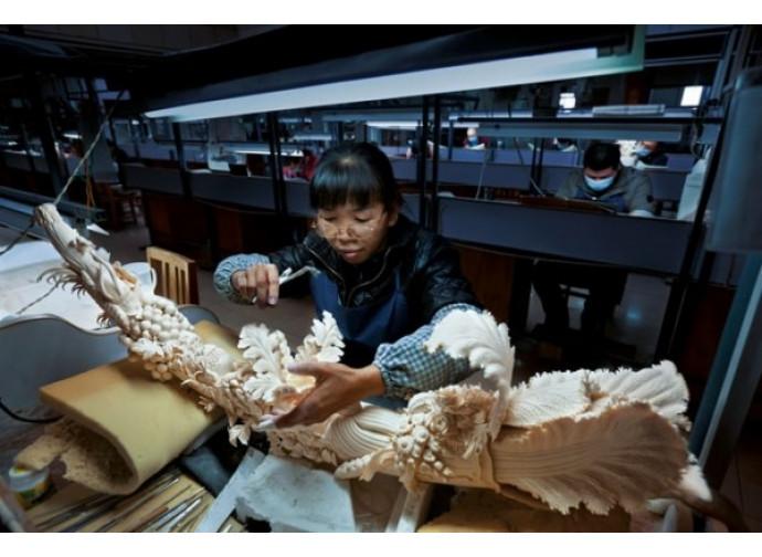 Lavorazione dell'avorio in Cina