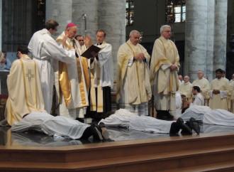 """Bergoglio mette fine alla fraternità """"dei miracoli"""""""