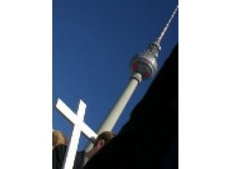 Berlino, mille croci in Marcia per la vita