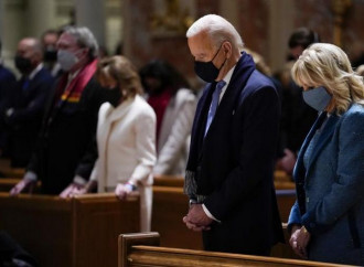 Il presidente Usa Joe Biden in chiesa