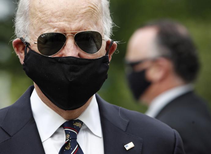 Joe Biden, con la mascherina