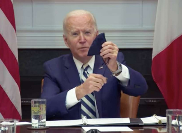 Biden mostra il suo rosario