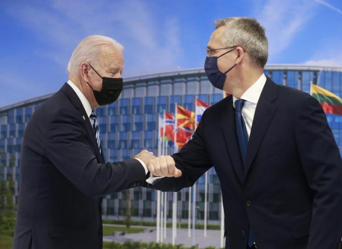 Biden e Jens Stoltenberg a Bruxelles