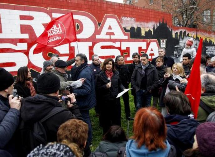 La Boldrini davanti al murale antifascista