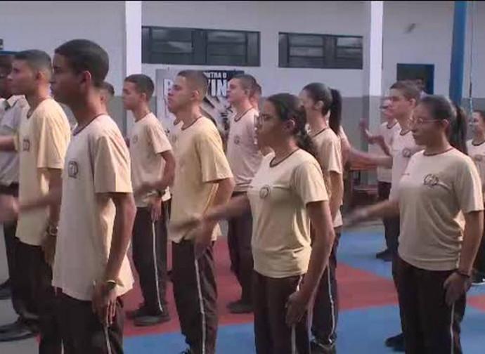 Brasile, esercizi in una scuola militare