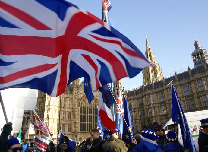 Brexit, manifestazione a Westminster