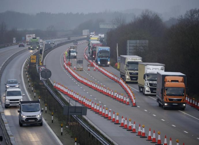 Dover, come le strade vengono preparate al cambio di regime commerciale