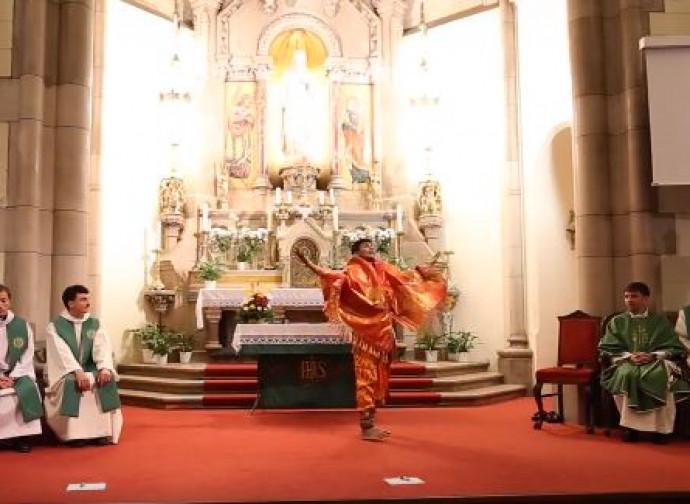 L'esibizione indù di Budapest