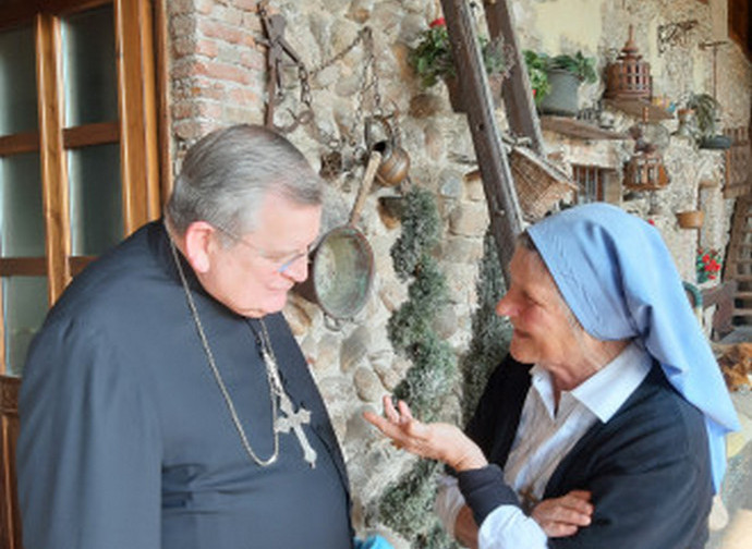 Il cardinale Burke e suor Rosalina