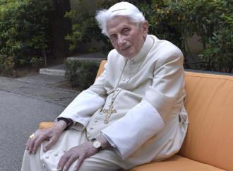 Ratzinger, la presenza lucida che veglia sulla Chiesa