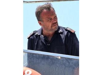 Lampedusa, solo una fiaba strappa-lacrime