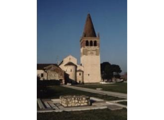 Nell'abbazia l'impronta della scarpa del pellegrino