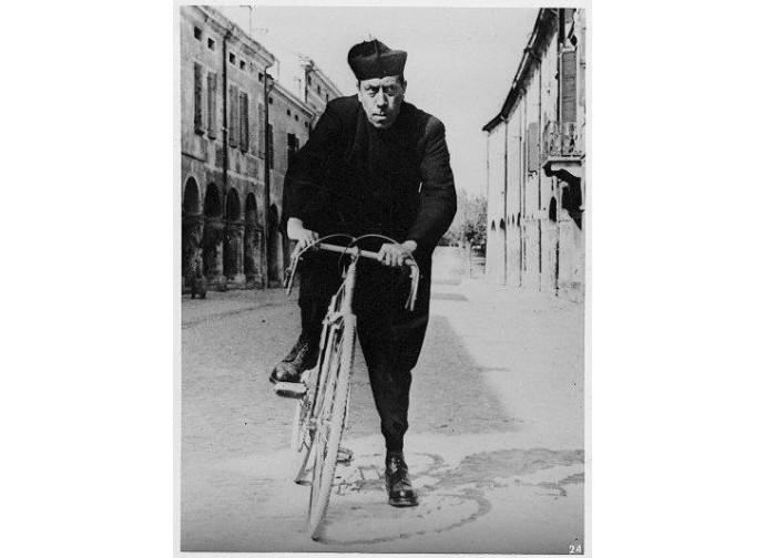 Don Camillo, interpretato da Fernandel
