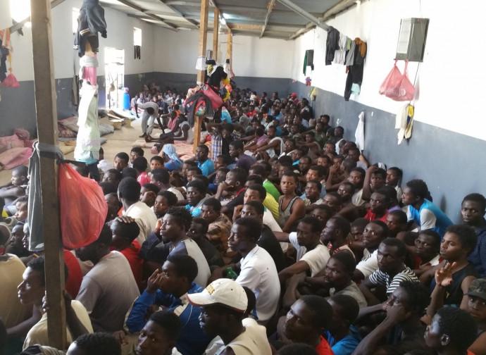 Uno dei campi profughi in Libia