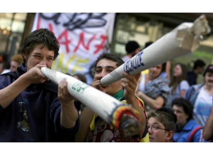 Manifestazione pro-cannabis