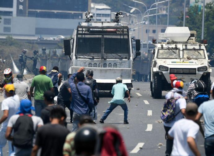 Caracas, scontri in piazza