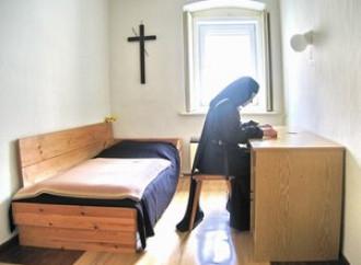 """Se anche alle claustrali """"non basta più pregare"""""""