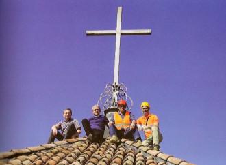 Il muratore che entrò in chiesa ateo e uscì cristiano