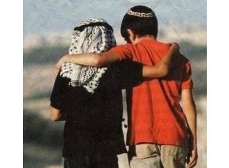 Gaza, serve una terza via per uscire dalla follia