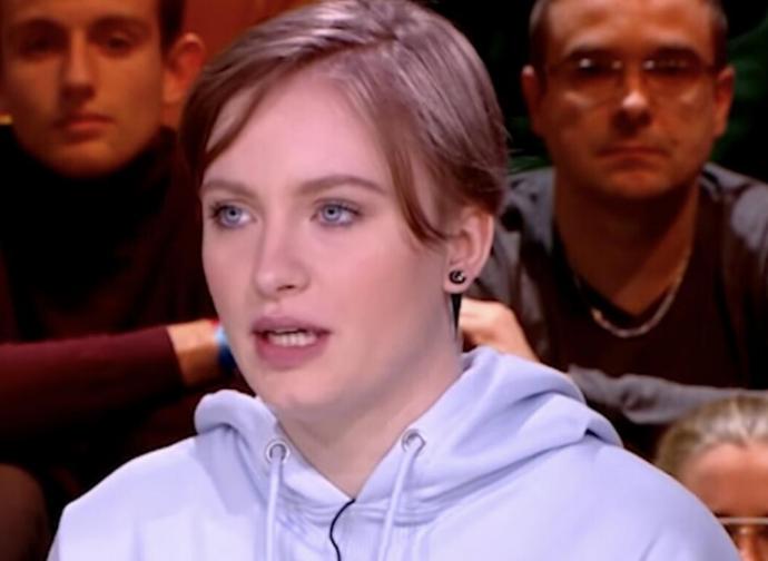 Il caso Mila, segno di una Francia in mano agli islamisti - La Nuova  Bussola Quotidiana