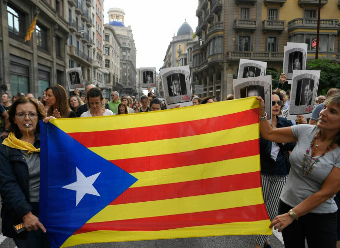 Manifestazione a Barcellona per i leader indipendentisti condannati