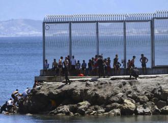 In un giorno entrati illegalmente in Spagna 6.000 marocchini