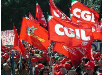 Lavoro, Renzi si piega al volere dei sindacati