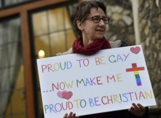 """La Chiesa anglicana strizza l'occhio alle """"nozze"""" gay"""