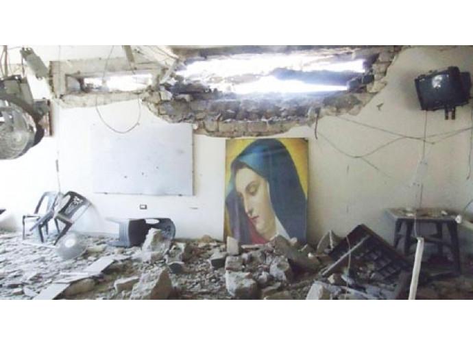 Chiesa bombardata ad Aleppo