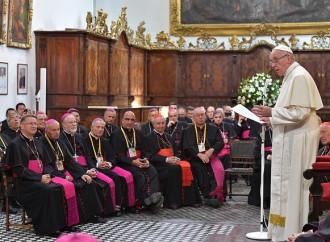 Il Papa da lunedì incontra i vescovi del Cile per lo scandalo abusi