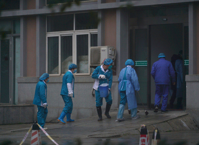 Wuhan, ospedali in emergenza