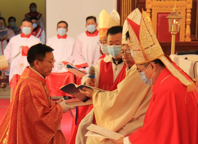 L'ordinazione di monsignor Chen