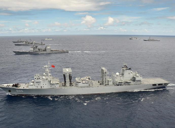 Unità della marina cinese in esercitazione